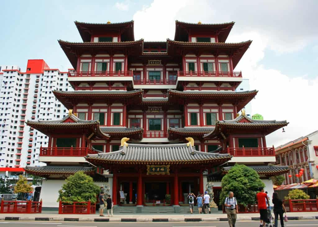 Buddha Tooth Relic Temple SIngapore with kids