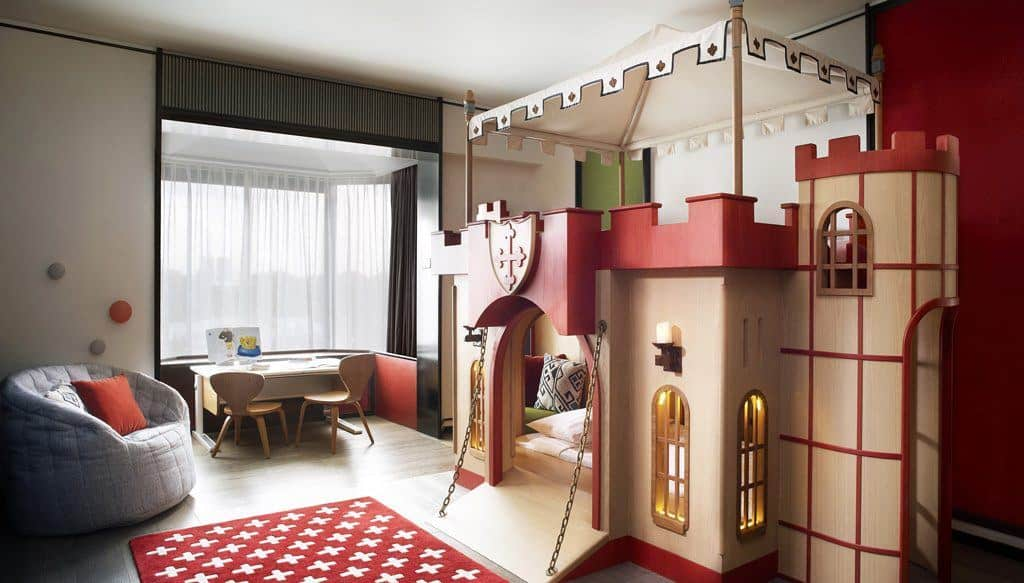 Shangri-La Singapore themed suite