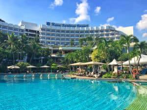 Shangri-La Rasa Sentosa resort swimming pool