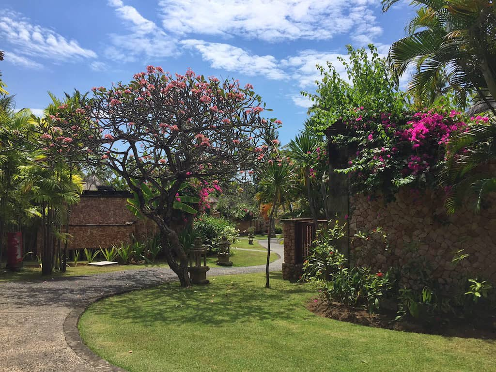 oberon Lombok garden