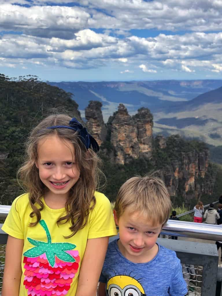 Kids in front of the Three Sisters Blue Mountains