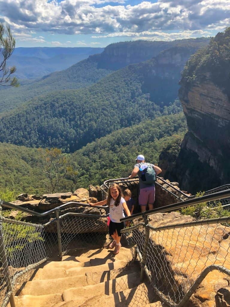 Lookout point on Wentworth Falls walk blue mountains