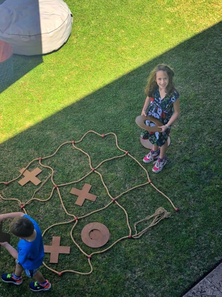 Kids playing garden games at Hunter Valley winery Tulloch