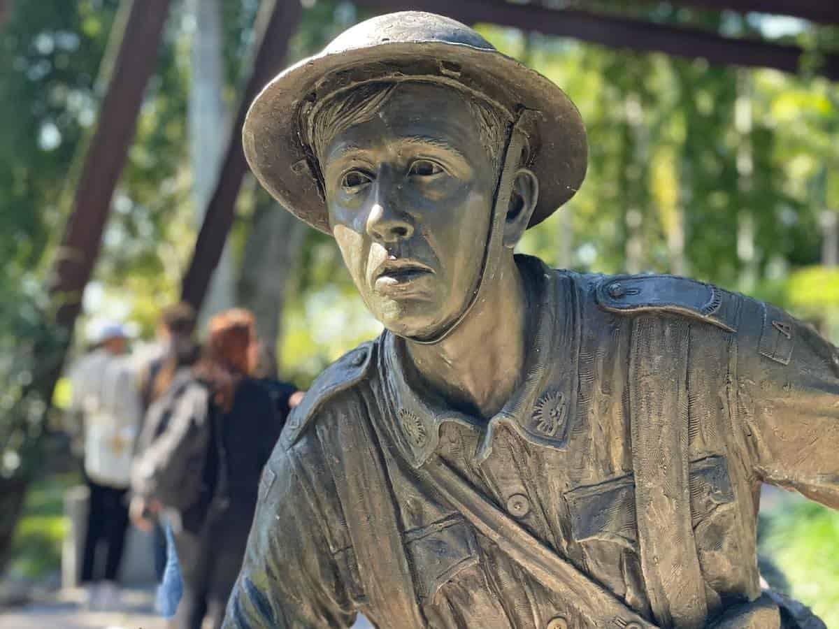 Maryborough Memorial statue