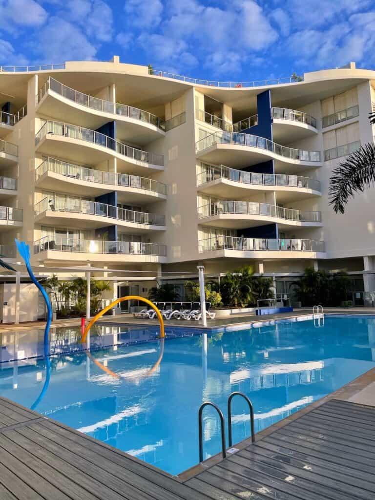 Swimming pool and apartments at Oaks Hervey Bay